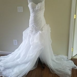 Dresses & Skirts - White strapless wedding gown